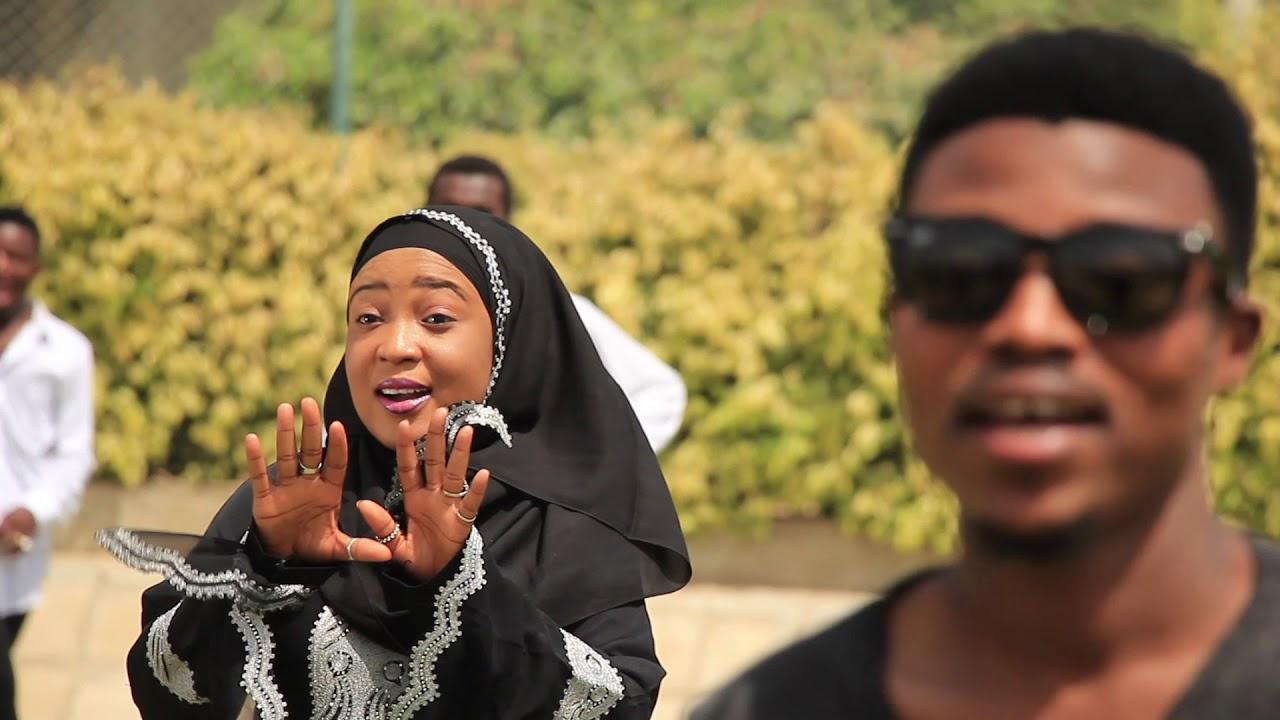Download Umar M Shareef - Fuskata (Official Music Video)