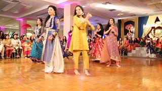 Mehndi Hai Rachne Wali Best Pakistani Mehndi Dance 2017
