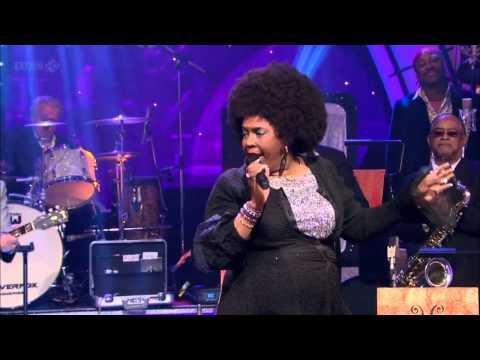 Betty Wright - Clean Up Woman (Jools Annual Hootenanny 2012)