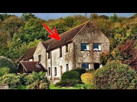 اشترت الأسرة منزلًا قديمًا ووجدوا غرفة سرية لم يدخلها أحد لمدة 102 عامًا , شاهد ماذا وجدوا داخلها...
