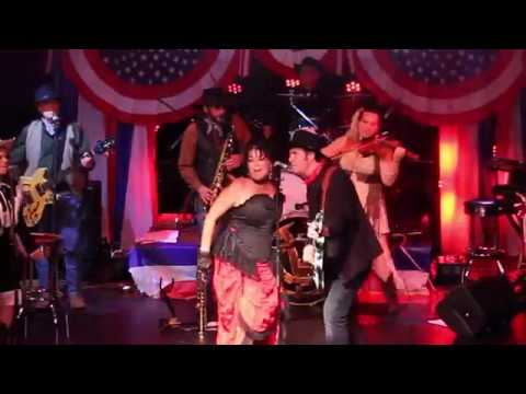 Colonel Obadiah Gunn's Wild West Music Show - Dallas Darling performs Piece of My Heart