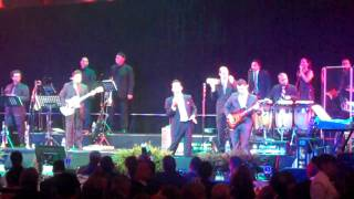 Marc Anthony singing Hotel California