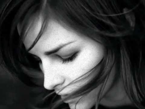 Asma Lmnawar - Ayouno - أسماء لمنور - أيونو
