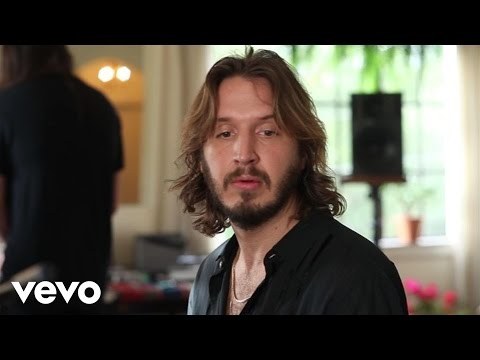 Emile Haynie - Falling Apart (Live From Chateau Marmont) ft. Andrew Wyatt, Brian Wilson