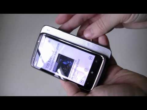 HTC HD7 vs. HTC Surround