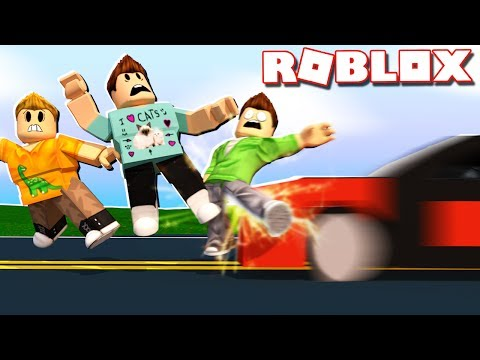 Roblox Adventures - DON'T GET HIT BY ONCOMING TRAFFIC IN ROBLOX! (Traffic Rush Beta)