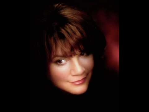 "Linda Ronstadt  -  ""Good Night""  (Beatles Cover)"