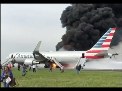 American Airlines Flight 383 Boeing 767 On Fire At Chicago ...