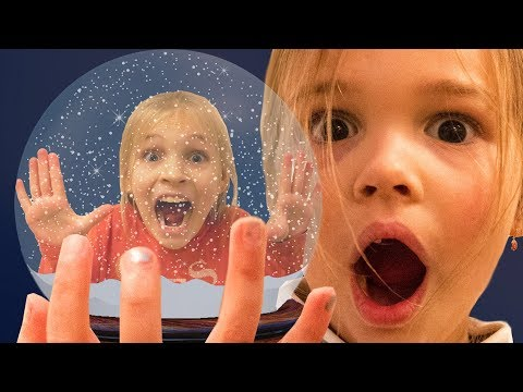 Amelia, Aveline and Akim compilationTuesday with magic snowglobe and trampoline center