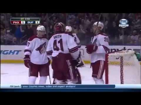 Невероятный гол в хоккее