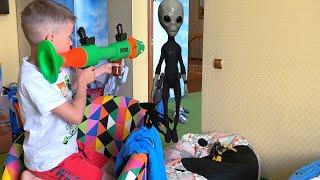 Нерф Базука против Инопланетянина Беспорядок после Нерф Базуки