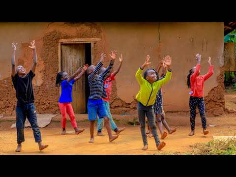Masaka Kids Africana Dancing Happy Merry Christmas