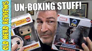 UNBOXING COLLECTIBLE TOYS: Deadpool Unicorn Sefie And Mr Rogers Funko Pop 🤓🖖