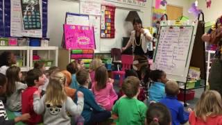 "Download lagu Kindergarten class practicing ""Aloha Friends, e Komo Mai"""