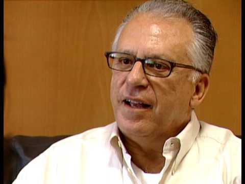 "Entrevista / Interview  Pepe Romero Masterclass ""Grandes Maestros de Cerca"" Cajagranada"