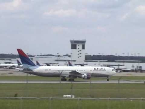 Plane Spotting at Cincinnati/Northern Kentucky Airport 2005