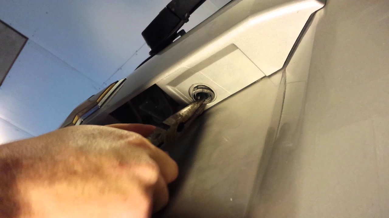 2007 Tahoe Rear Window Switch Replacement Youtube 3 Way