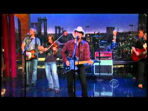 "Brad Paisley - ""Water"" 11/3 Letterman (TheAudioPerv.com)"