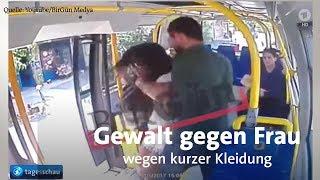 Eine junge frau wird in einem bus istanbul von mann geschlagen, weil sie am ramadan kurze hosen trägt. das netz reagiert bestürzt und wütend.abonnie...