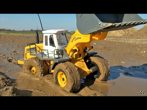 RC wheel loader mud action, big fun with rc toy