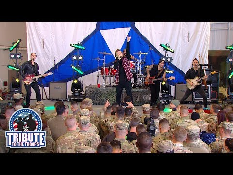 "Morgan Wallen Performs ""Whiskey Glasses:"" WWE Tribute To The Troops 2018"
