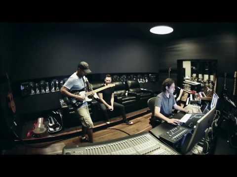 DIVEBOMB 1 minute BTS - Madsonik & Kill the Noise ft. Tom Morello