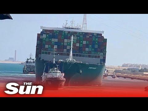 Suez Canal mega ship finally FREED & moves along waterway