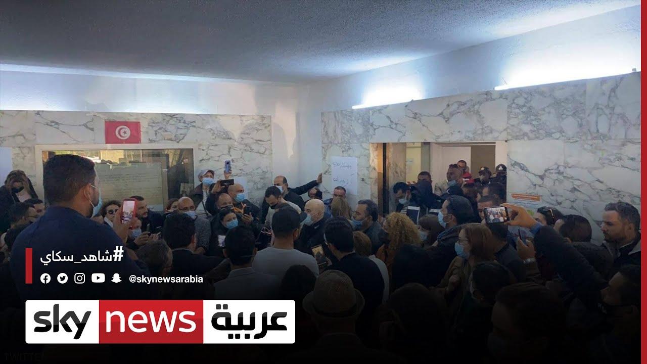 الأمن يقتحم مقر وكالة تونس إفريقيا للأنباء لفرض مدير موال للنهضة  - نشر قبل 7 ساعة