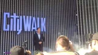 William Levy [@WillyLevy29] Presenta al Capitan Fabre en City Walk L.A.