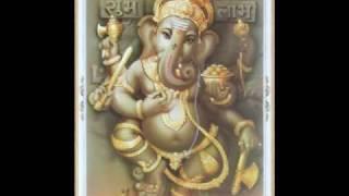 Video Ganya Dhaav Re - Marathi Ganpati Song download MP3, 3GP, MP4, WEBM, AVI, FLV Maret 2018