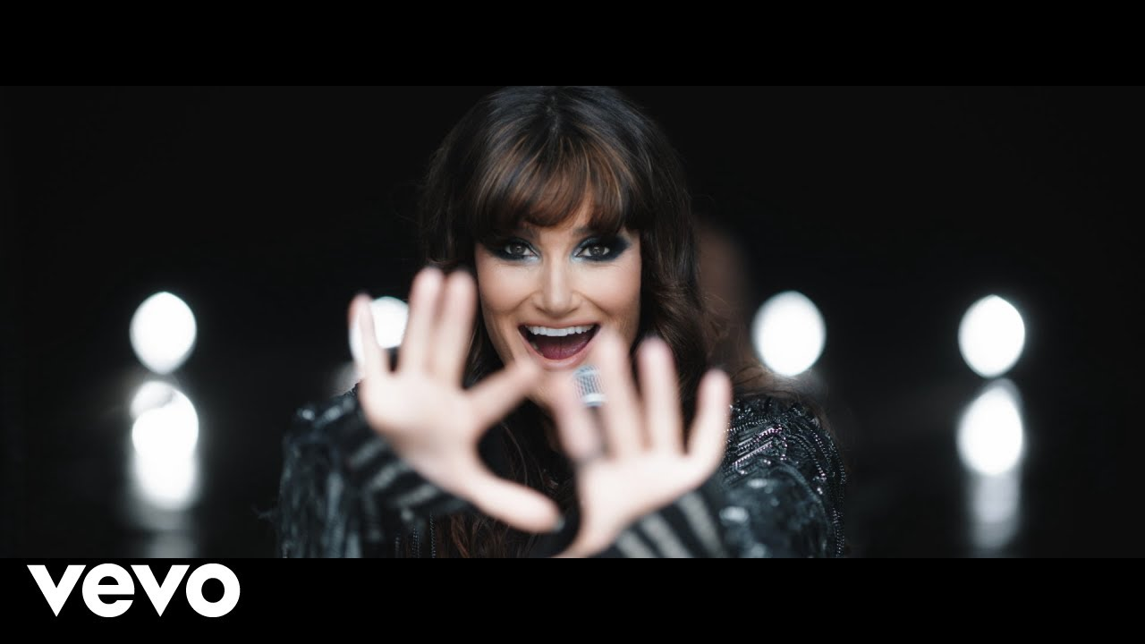 VIDEO: Watch Idina Menzel in the Music Video for 'Dream Girl (Nile ...