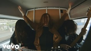 Смотреть клип The Amazons - Stay With Me