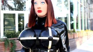 Latex Tanja with new female mask walks outddor