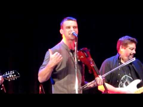 Jesse Spencer Sings with The Band From TV