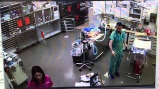 شاهد مزحة من طبيب تجاه ممرضة تنقلب ضده