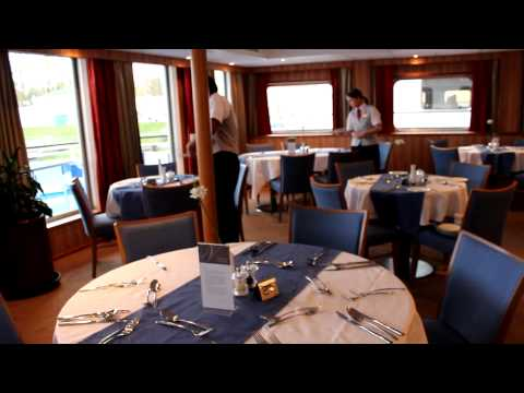 The Islanders_HardWork Cafe (Viking River Cruise in Russia)