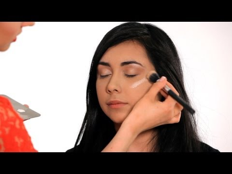 How to Make Your Face Look Thinner | Makeup Tricks
