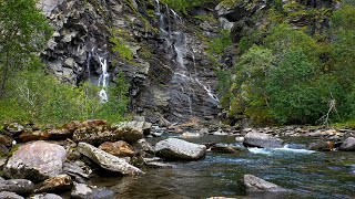 Sound of a river flowing in a rocky landscape