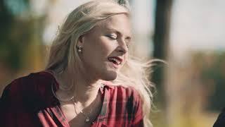 Linda Skogholm - En höstdag i oktober (Official Video)