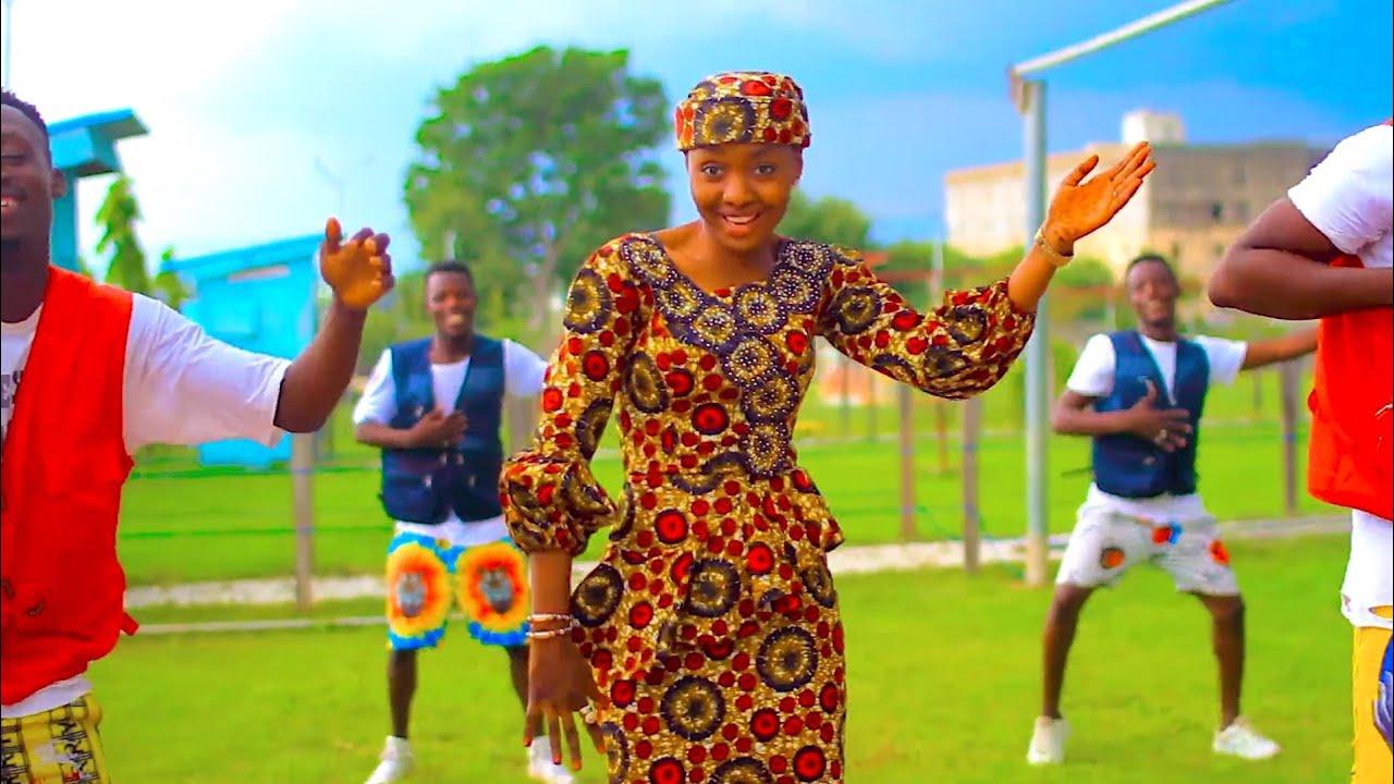 Download Sabuwar Waka (Kai Nafiso Ka Kula Da Ni) Latest Hausa Song Original video lyrics by Hussaini Danko