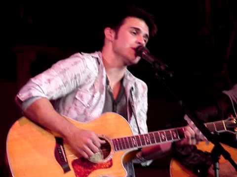 Kris Allen - A Christmas Song - WXLO's Acoustic Christmas 12.7.09