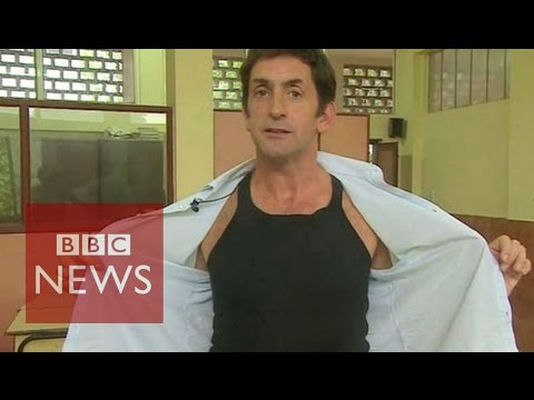 India: Vest that helps exam cheats - BBC News