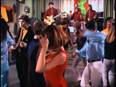 The Monkees - Steppin' Stone