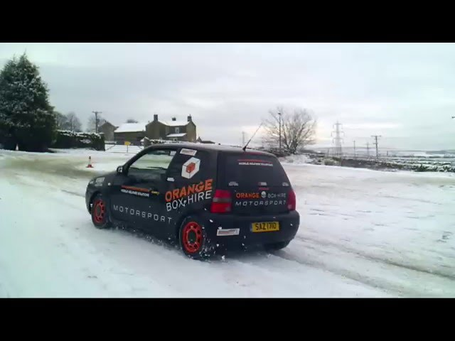John and Lee Do some skids at APMCC Autotest in the snow!