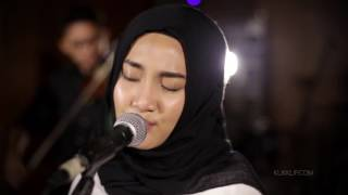 Video Fatin Sing Me to Sleep (Alan Walker Cover) download MP3, 3GP, MP4, WEBM, AVI, FLV September 2017