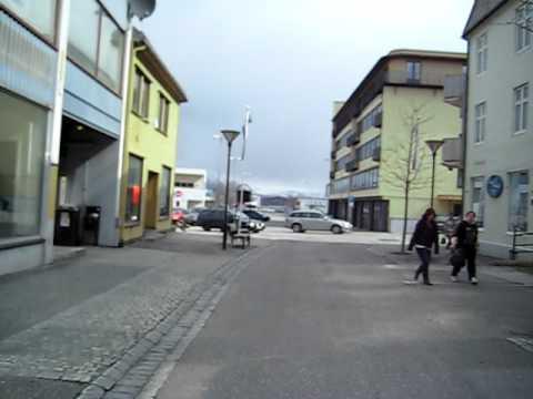 Beth går i Sandnessjøen.