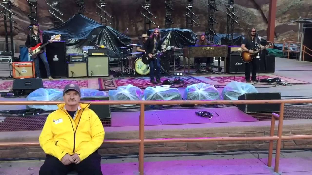 blackberry smoke one horse town red rocks amphitheater 8 25 16 youtube. Black Bedroom Furniture Sets. Home Design Ideas