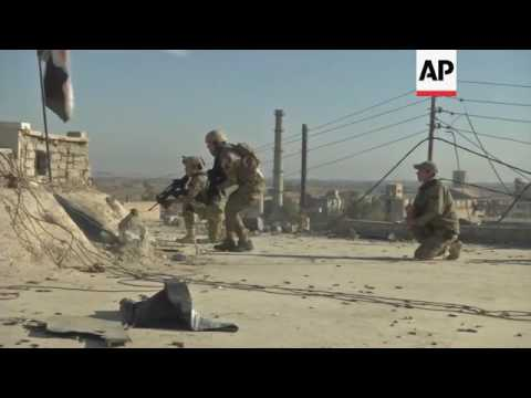 Raw: Iraq Police Forces Battle IS South of Mosul