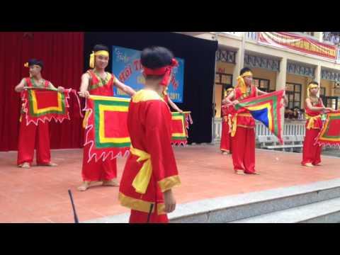 Trường THPT Triệu Sơn 3-lớp c6 múa