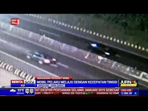 Rekaman CCTV Mobil Seret Mahasiswa di Bandung